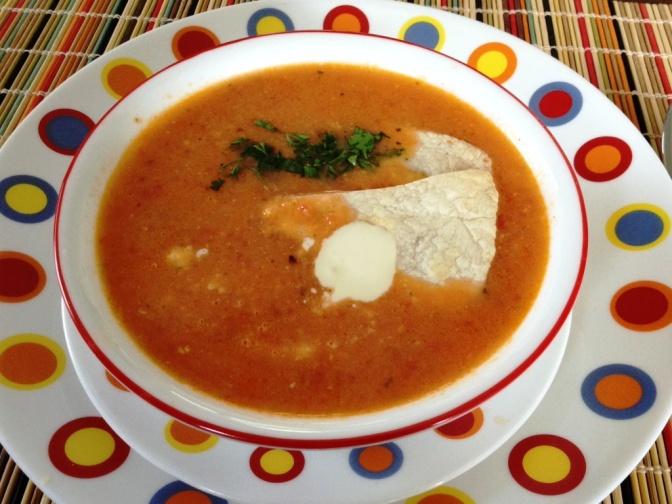 Sopa de Tortilla con Pollo y Limón