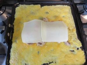 Omelette de esparragos y tomate
